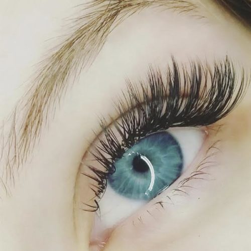 How-to-do-classic-lashes